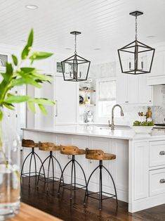 Love looking for great white kitchen decorating ideas? Check out these gallery of white kitchen ideas. Tag: White Kitchen Cabinets, Scandinavian, Small White Kitchen with Island, White Kitchen White Witchen Countertops Farmhouse Kitchen Decor, Kitchen Dining, Rustic Farmhouse, Farmhouse Style, Kitchen Modern, Green Kitchen, Rustic Table, Farmhouse Kitchen Light Fixtures, Rustic Bar Stools