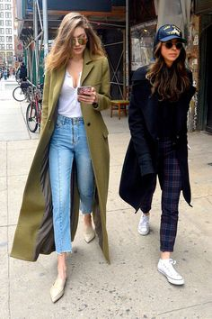 Stunning 70 Inspiring Gigi Hadid Simple Casual Outfits Looks ~ With a hectic schedule, the importance of … in 2020