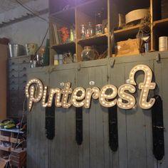 Réalisaiton avec l'équipe Pinternet France à L'Établisienne Neon Signs, France, Handicraft, French