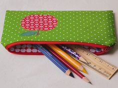 DIY Anleitung: Stiftemäppchen, Federmappe // diy tutorial: How to sew a pencilcase via DaWanda.com