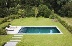 Gunite Swimming Pool, Swimming Pool Landscaping, Swimming Pool Designs, Backyard Pool Designs, Small Backyard Pools, Pool Decks, Hampton Pool, Country Pool, Kleiner Pool Design