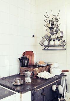   A 2nd Hand Bialetti   Simple Scandinavian kitchen