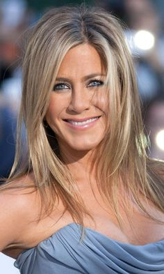 Mid-Length Hairstyles: Jennifer Aniston, 2013 Wedding favors guide- How to Choose Fabulous Jennifer Aniston Haar, Jennifer Aniston Pictures, Jennifer Aninston, Hair Inspo, Hair Inspiration, Blonde Pony, Medium Hair Styles, Long Hair Styles, Brown Hair With Blonde Highlights