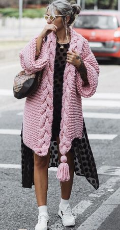 This item is unavailable cardigan jacket poncho sweater fashion 2019 Record of Knitting Yarn rotating, weaving and sewing careers such as for ins. Crochet Cardigan Pattern Free Women, Cardigan Au Crochet, Knit Cardigan Pattern, Poncho Sweater, Chunky Cardigan, Crochet Pattern, Pink Cardigan, Kimono Pattern Free, Pull Poncho