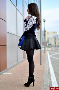 22 Chic Sweater and Skirt Street Style Combinations for Fall - Strumpfhosen outfit Mode Outfits, Skirt Outfits, Sexy Outfits, Fashion Outfits, Womens Fashion, Girly Outfits, Modest Fashion, Hijab Fashion, Korean Fashion