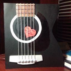 Guitarra negra, tarjeta de regalo, perfecta. Guitar card