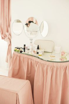 A stay at the historic Le Bristol Hotel Paris. Le Bristol Paris, Ann Street Studio, Paris Hotels, Cottage Homes, Built Ins, Pretty In Pink, Dressing Tables, Bedroom Decor, Vanities