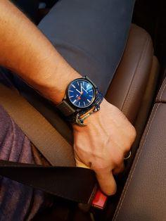 #RegalosCristianos #Reloje #CruzIgualAmor Tic Tac, Wood Watch, Amor, Christian Gifts, Clock, Blue Nails, Wooden Clock