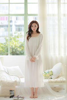 Aliexpress.com : Vintage Weiß Prinzessin Nachthemd Weibliche Boot ausschnitt Königliche Lange Nachthemd Rüschen Volle Hülse Frauen Baumwolle Nachtwäsche p15004 von verlässlichen baumwolle nachtwäsche-Lieferanten auf Xiamen HengYaoCheng Fashion Co.,Ltd. kaufen