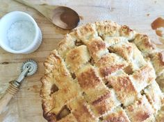 I love apple pie.  But SALTED CARAMEL Apple Pie?  I'm gonna love that even more....new recipe from Blue Bell Court.  Yay!