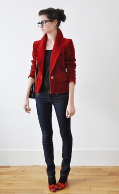 the textured blazer (velvet) really makes a simple outfit totally adorable and different. not to mention her shoes are too cute.