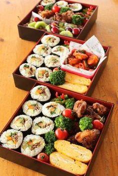 ピクニックをしよう♪食べやすくて可愛いお弁当レシピ&アイデア Bento And Co, Bento Box Lunch, Japanese Lunch, Japanese Food, Bento Recipes, Healthy Recipes, Asian Recipes, Ethnic Recipes, Picnic Foods