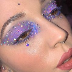 Fantastic Cute makeup tips are available on our site. Take a look and you will not be sorry you did. Glam Makeup, Makeup Inspo, Makeup Art, Makeup Inspiration, Beauty Makeup, Hair Makeup, Makeup Tips, Fun Makeup, Grunge Makeup