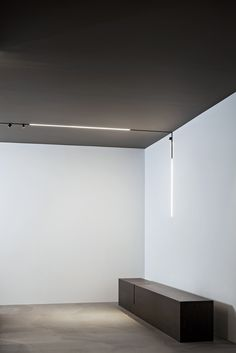 A high-tech LED lighting system for interior architecture. The Running Magnet 2.0 comprises electromechanical structural profiles for suspended, surface, or recessed mounting into 12.5mm thick plasterboard walls/ceilings. #TheRunningMagnet2.0