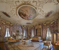 The bedroom of Mrs. William K. Vanderbilt, (Alva Belmont), at her Newport, Rhode Island estate Marble House Castle Rooms, Castle Bedroom, Mansion Bedroom, Mansion Interior, Home Bedroom, Royal Room, Marble House, Aesthetic Bedroom, Beautiful Architecture