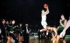 Hoy se cumplen 22 años del triplazo de Djordjevic que dejó al Joventut sin Copa de Europa. ¿Lo recuerdas? (Vídeo) #baloncesto #basket #basketbol #basquetbol #kiaenzona #equipo #deportes #pasion #competitividad #recuperacion #lucha #esfuerzo #sacrificio #honor #amigos #sentimiento #amor #pelota #cancha #publico #aficion #pasion #vida #estadisticas #basketfem