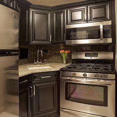 Small Modern Kitchen Design Ideas Hgtv Pictures Tips: 15 Modern Small Kitchen Design Ideas For Tiny Spaces Black Kitchen Cabinets, Black Kitchens, Kitchen Redo, Home Kitchens, Kitchen Ideas, Small Kitchens, Kitchen Colors, Kitchen Black, Kitchen Corner