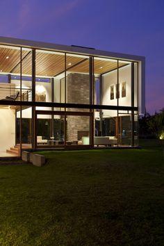 Casa 2V / Diez + Muller Arquitectos / Equador