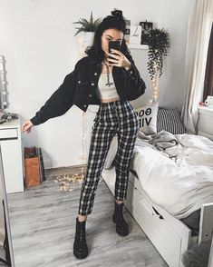 Comply with ALTGirl Different Model Grunge Model Gothic Model Grunge Lady Grunge Outfits Different Lady Alterna Retro Outfits, Grunge Outfits, Indie Outfits, Edgy Outfits, Grunge Fashion, Cute Casual Outfits, Outfits For Teens, Look Fashion, Teen Fashion