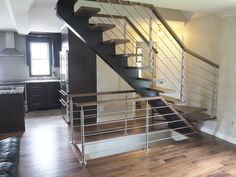 Escalier sur mesure // Custome-made staircase #stairs #staircase #wood #metal #residentialproject #boutiqueduplancher