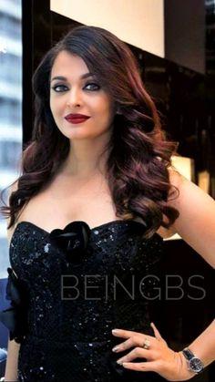 Aishwarya Rai Hairstyle, Aishwarya Rai Makeup, Aishwarya Rai Photo, Actress Aishwarya Rai, Indian Bollywood Actress, Aishwarya Rai Bachchan, Beautiful Bollywood Actress, Most Beautiful Indian Actress, Beautiful Actresses