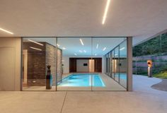 dune-villa-hilberinkbosch-architects-indoor-swimming-pool - Home Decorating Trends - Homedit Indoor Pools, Indoor Outdoor, Outdoor Pool, Moderne Pools, Swiming Pool, Swimming Pool Designs, Modern Exterior, Pool Houses, Modern House Design