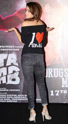 Alia Bhatt showing her sexy back at 'Udta Punjab' trailer launch. #Bollywood #Fashion #Style #Beauty #Hot #Sexy