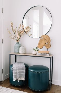 Super apartment entryway decor entrance round mirrors Ideas - All About Decoration Apartment Entryway, Entryway Decor, Entry Tables, Modern Entry Table, Entry Hall Table, Hallway Console, Modern Entryway, Sofa Tables, Console Tables