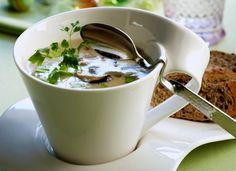 Appetizers: golden chanterelle soup/kuohkea kantarellikeitto