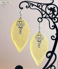 """Купить Серьги-листья """"Lemon ice"""" из ювелирной смолы - желтый, серьги с лепестками, природа, эко"""