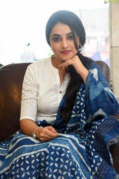 Telugu Actress Priyanka Arul Mohan at Gang Leader Movie Press Meet Photos Beautiful Girl Indian, Beautiful Girl Image, Most Beautiful Indian Actress, Cute Beauty, Beauty Full Girl, Beauty Women, South Indian Actress Photo, Indian Actress Photos, Cute Girl Photo