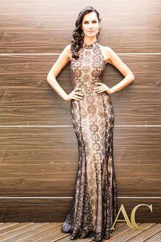 ARTHUR CALIMAN |  Beleza atrai atenção. Personalidade atrai coração. http://www.arthurcaliman.com.br vestido de Festa