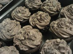 Heath Bar cupcakes...apparently L.V. loves heath bars ...