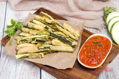 Why not try out this delicous keto zucchini fries recipe! It's very low in carbs and a tasty alternative to potato fries on keto! Fried Zucchini Chips, Low Carb Zucchini Fries, Clean Eating Snacks, Healthy Snacks, Fries Recipe, Low Carb Keto, Diet Recipes, Recipes Dinner, Ethnic Recipes