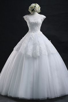 Scoop Long Lace-up Tulle Wedding Dress Ball Gown With Appliques WD012