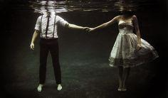 Eu queria muito ter forças pra ficar. Queria conseguir te olhar nos olhos e dizer que ainda aceito tudo isso que você me dá. Ou o tanto que você oferece. Só que algo aqui dentro mudou. Eu te amo e …