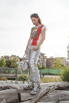 Mondiali 2014, tifosa con stile: Forza Azzurri!!! - http://www.2fashionsisters.com/mondiali-2014-tifosa-stile-forza-azzurri/ - 2 Fashion Sisters Fashion Blog - #Azzurri, #BraccialettiCruciani, #Influencer, #Italia, #LookTifosa, #Mondiali2014, #TshirtHappiness, #Wags