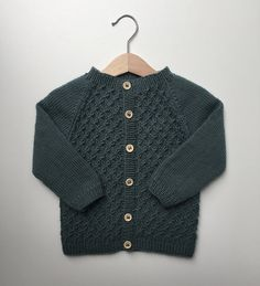 Carl's Cardigan pattern by PetiteKnit - Work Outfits Women Baby Cardigan Knitting Pattern Free, Baby Knitting Patterns, Baby Patterns, Ravelry, Baby Pullover, Fall Outfits For Work, Cardigan Outfits, Knitting For Kids, Baby Sweaters