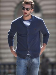 sweater, jeans, ray bans
