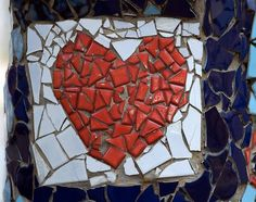 How to Make a Mosaic from Broken Tiles. Left over or broken tiles can be used to make unique and beautiful mosaic designs rather than just getting thrown away. Here is a guide to make a mosaic from broken tiles. Paper Mosaic, Mosaic Art, Mosaic Glass, Mosaic Tiles, Stained Glass, Easy Mosaic, Mosaic Crafts, Mosaic Projects, Tile Art