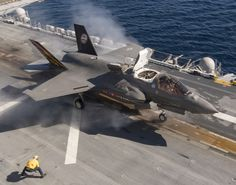 uss america f 35 marine corps Airplane Fighter, Fighter Aircraft, Fighter Jets, Stealth Aircraft, Military Jets, Military Aircraft, Military Weapons, Uss America, Flight Deck
