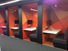 Individual study 'rooms' - would provide a discrete space for those wanting to undertake more serious study Office Space Design, Workplace Design, Library Design, Office Interior Design, Cafe Design, Office Interiors, Commercial Design, Commercial Interiors, Office Workspace