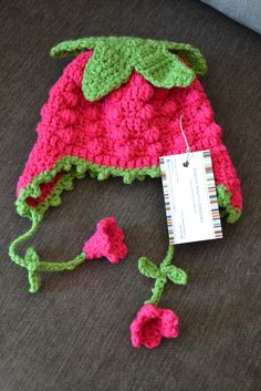 Knotty Knotty Crochet: sweet strawberry hat FREE PATTERN!  How cute is this.So darling.Your baby,toddler,child will look so cute in it.Love it.