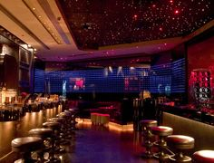 Dragon-i, Hong Kong. I can't believe this place is still open. We have to check it out. Bottle service is a must. Night Club, Night Life, Hong Kong Nightlife, Bars And Clubs, Best Club, Cool Bars, Travelogue, Restaurant Bar, Restaurant Interiors