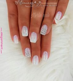 The design of the bridal nails is something every woman likes and admires. When you talk about the bridal nails, the first thing you think about is the white nail design, right? Nail Manicure, Diy Nails, Nail Polish, Glitter Make Up, Glitter Nails, Glitter Art, White Glitter, Bride Nails, Wedding Nails
