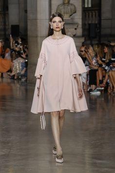 Georges-Hobeika-Couture-FW17-Paris-84501-1200x1800
