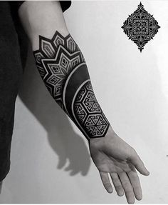 👉👉👉🔜🔜From nobember 13 to december 23 i come back to Essen 🇩🇪 ❤️in my big beautiful family Mandala Tattoo Sleeve, Geometric Sleeve Tattoo, Geometric Tattoos Men, Tattoo Henna, Geometric Tattoo Design, Mandala Tattoo Design, Tribal Forearm Tattoos, Leg Tattoos, Body Art Tattoos