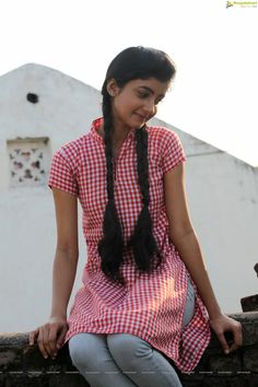 Summiyya Mohammed Prema Janta Stills - HD Gallery Image 41 Beautiful Blonde Girl, Beautiful Girl Photo, Beautiful Girl Indian, Beautiful Indian Actress, Desi Girl Image, Beautiful Girl Image, Indian Girl Bikini, Indian Girls, Cute Girl Poses