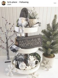 Are you searching for inspiration for farmhouse christmas decor? Browse around this website for amazing farmhouse christmas decor ideas. This unique farmhouse christmas decor ideas seems to be wonderful. Christmas Farm, Farmhouse Christmas Decor, Rustic Christmas, White Christmas, Christmas Holidays, Farmhouse Decor, Christmas Crafts, Farmhouse Style, Rustic Style