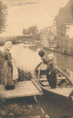Vintage Postcard - Goeden dag Volendam Holland